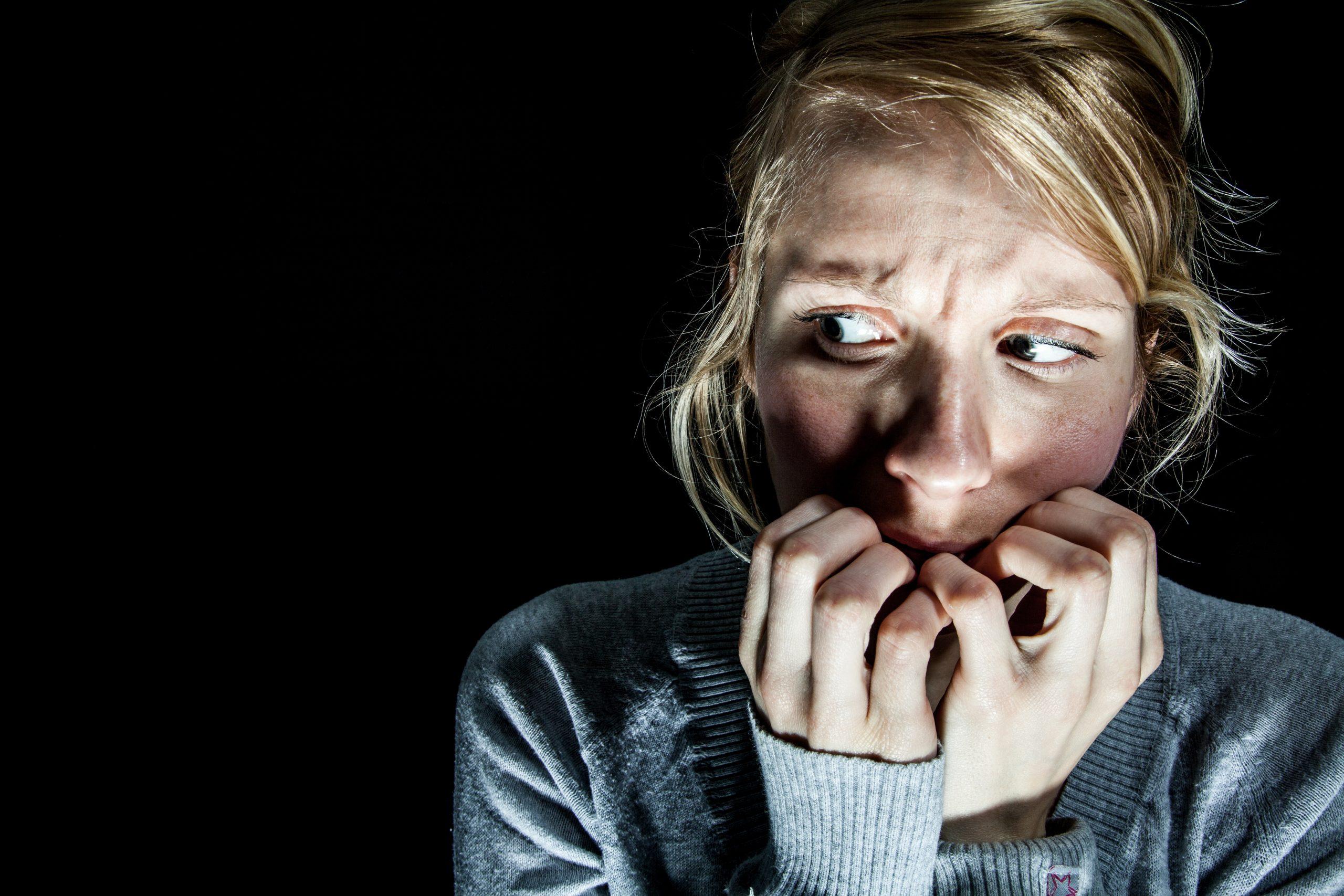 girl-frightened-image