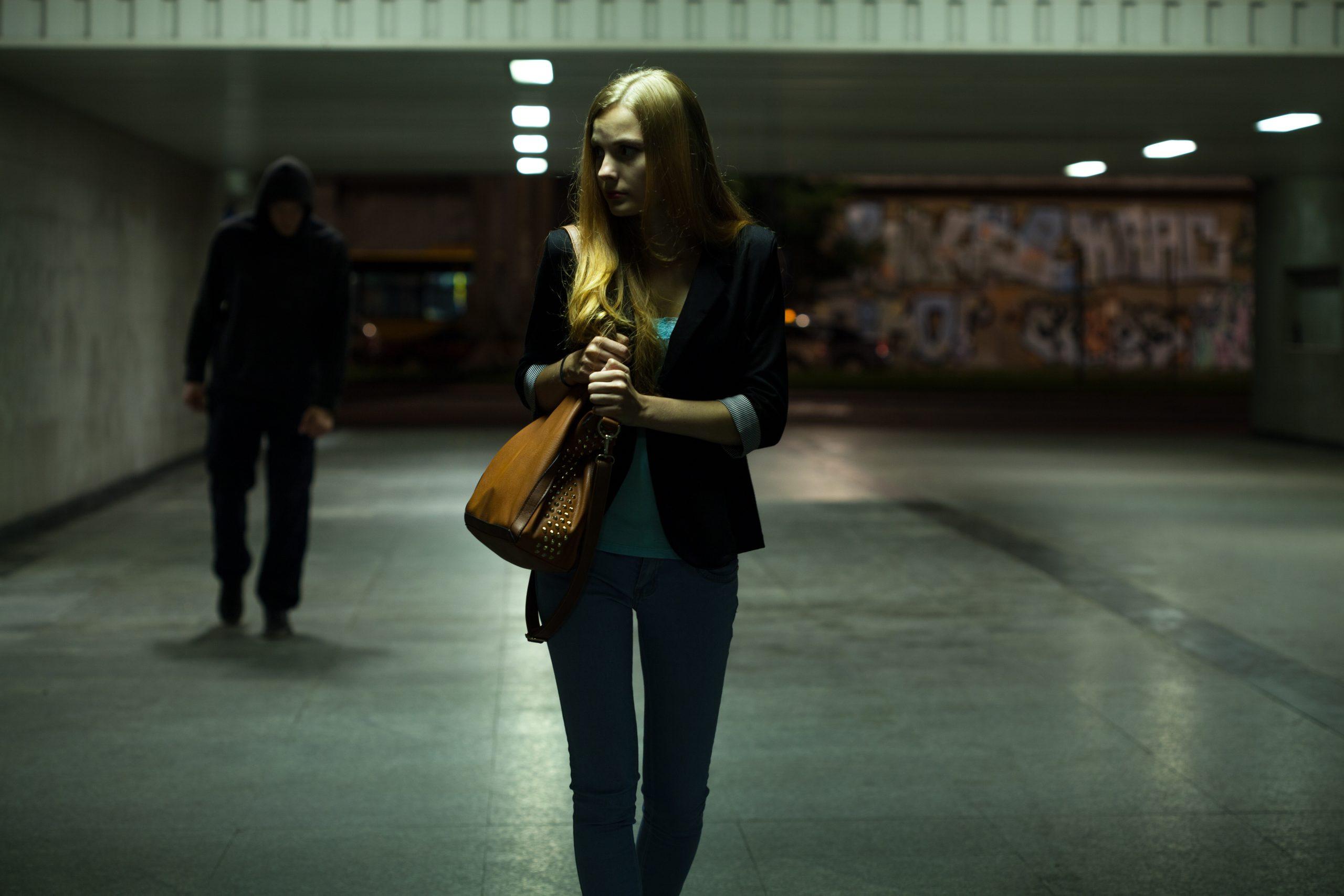 woman-walking-image